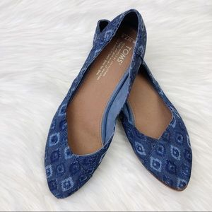 TOMS Jutti Flats in Blue Washed Denim